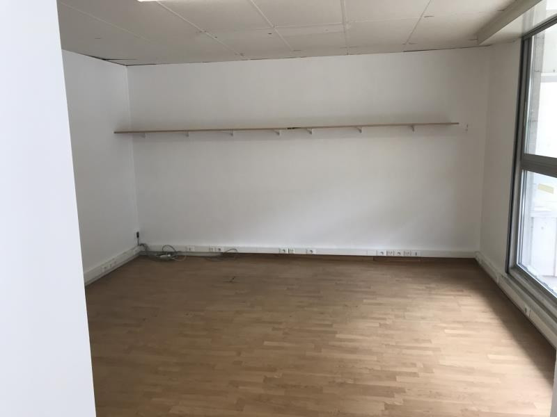 Sale empty room/storage Versailles 220 000€ - Picture 4