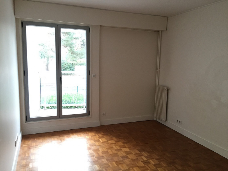 Rental apartment La celle-saint-cloud 2 300€ CC - Picture 3