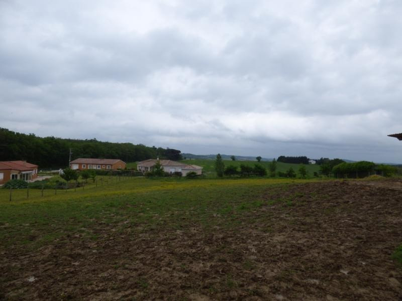 Vente terrain L isle jourdain 106 000€ - Photo 2