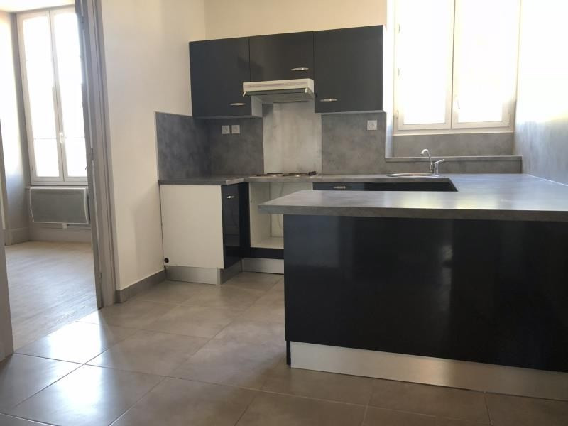 Location appartement Ste colombe 700€ CC - Photo 3