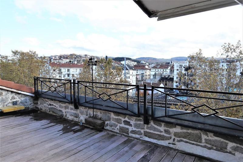 Location appartement Saint etienne 1145€ CC - Photo 1