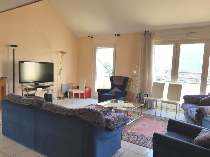 Rental apartment Gaillard 2 300€ CC - Picture 1