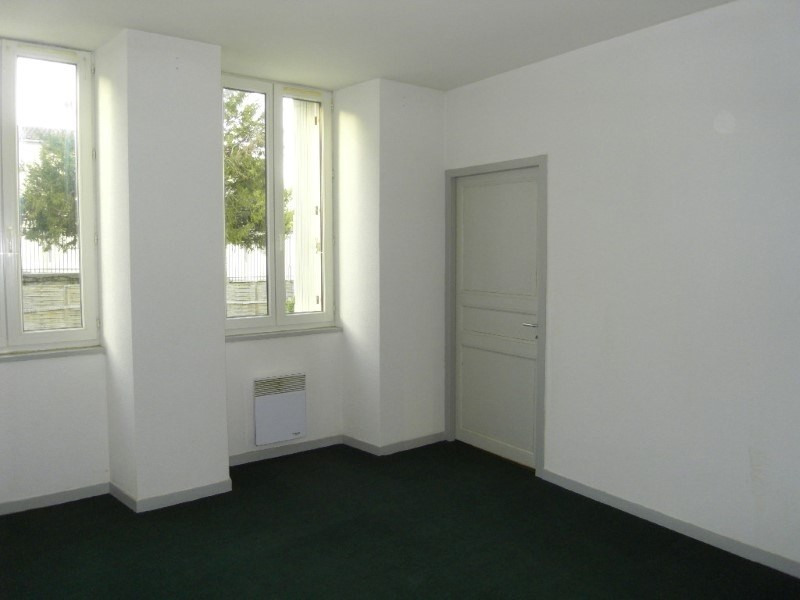 Location appartement Archiac 500€ CC - Photo 4