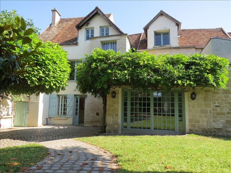 Location maison / villa Le mesnil le roi 3 850€ CC - Photo 1