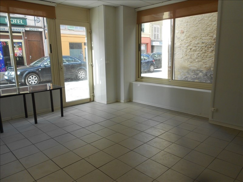 Location local commercial Provins 410€ HT/HC - Photo 1