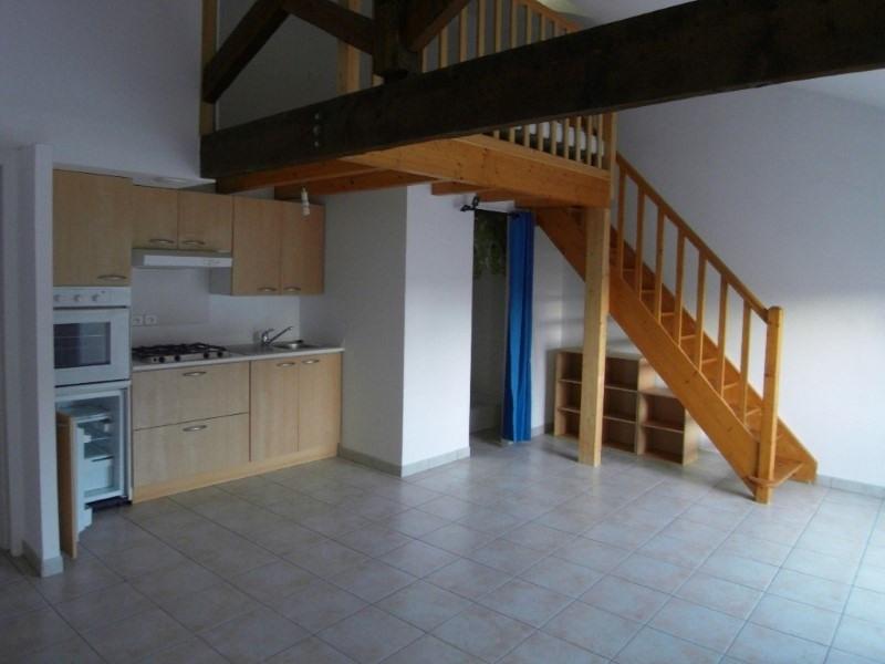 Location appartement Cognac 332€ CC - Photo 1