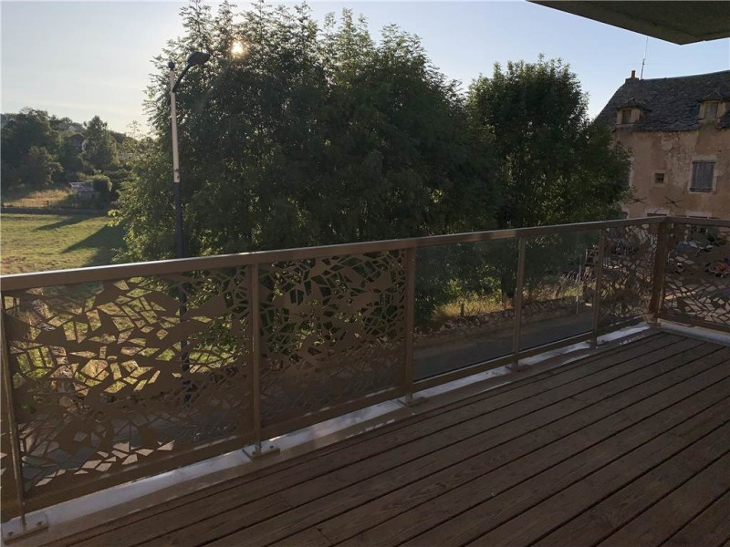 Rental apartment Laissac 560€ CC - Picture 1