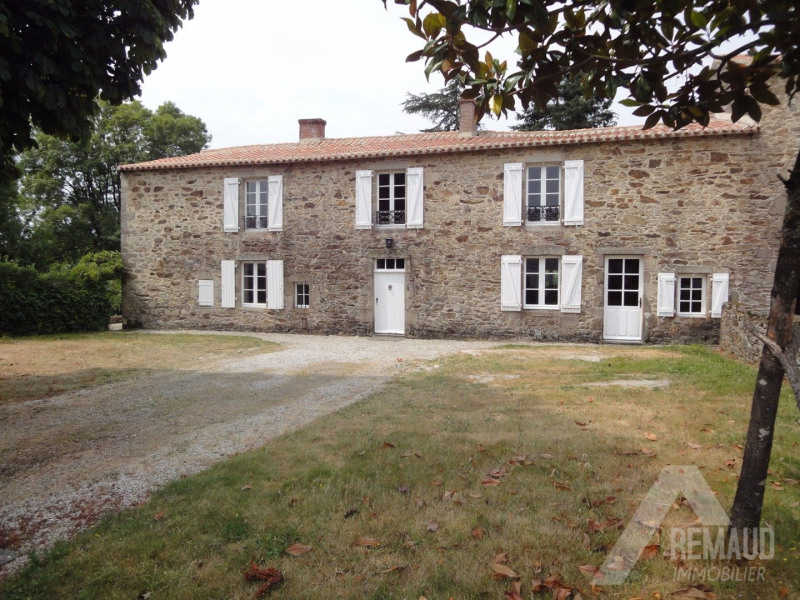 Location maison / villa Aizenay 890€ CC - Photo 1