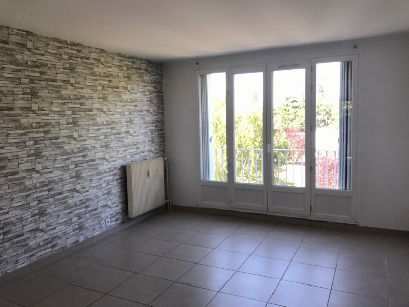 Sale apartment Egly 170 000€ - Picture 1