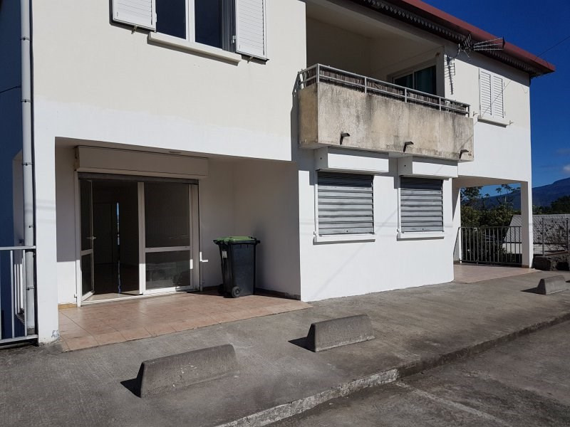 Location local commercial Le quatorzieme 1 050€ CC - Photo 4