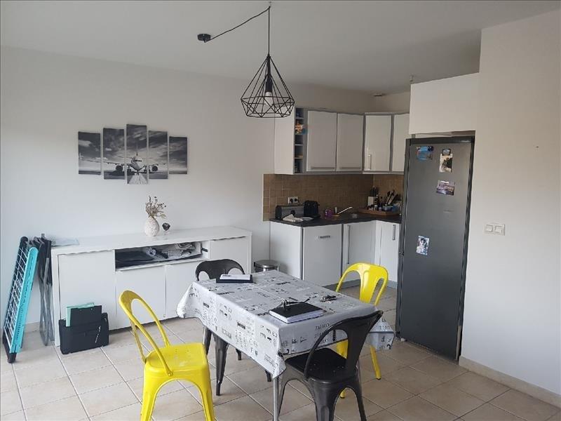 Sale apartment Meyreuil 269000€ - Picture 2