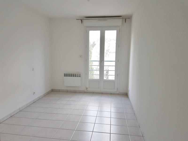 Location appartement Salon de provence 646€ CC - Photo 3