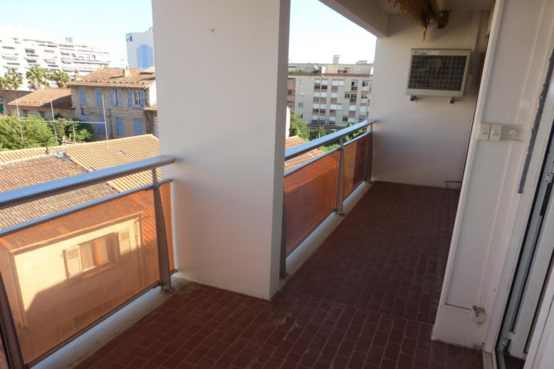 Vente appartement Hyeres 210 000€ - Photo 1