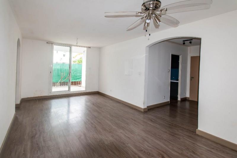 Investment property apartment Saint gilles les bains 241500€ - Picture 2