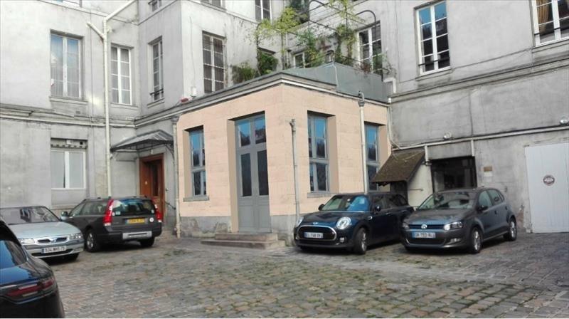 Sale office Paris 6ème 3690000€ - Picture 1