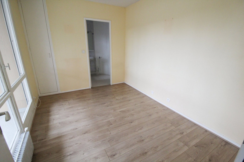 Location appartement Elancourt 846€ CC - Photo 4