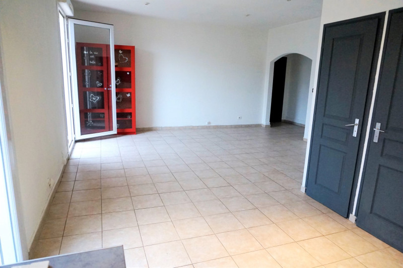 Location appartement Châteauneuf-les-martigues 678€ CC - Photo 4