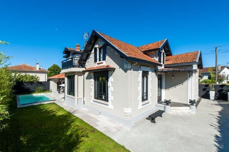 Deluxe sale house / villa Pessac 1295000€ - Picture 2
