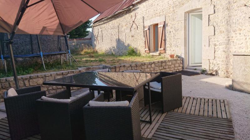 Sale house / villa Voves 149800€ - Picture 1