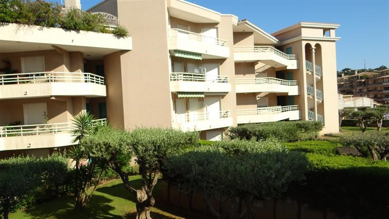 Location vacances appartement Cavalaire sur mer 900€ - Photo 19