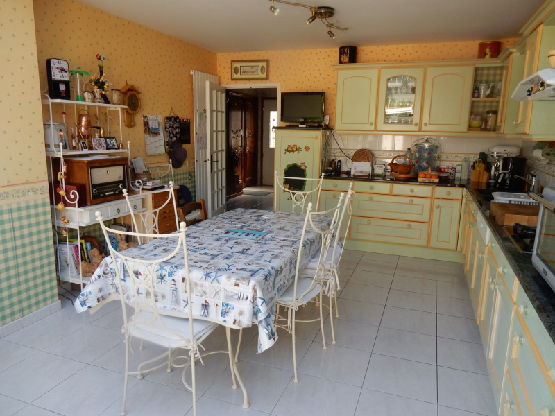 Sale house / villa Falaise 232 900€ - Picture 4