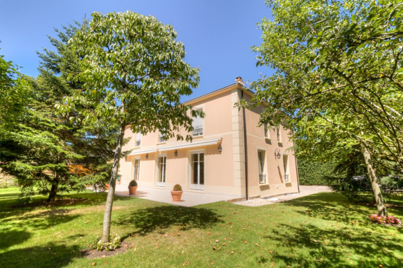 Deluxe sale house / villa Le vesinet 1 990 000€ - Picture 1
