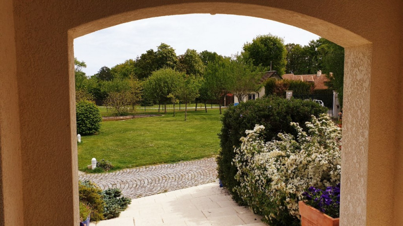 Deluxe sale house / villa Grosrouvre 1196000€ - Picture 12