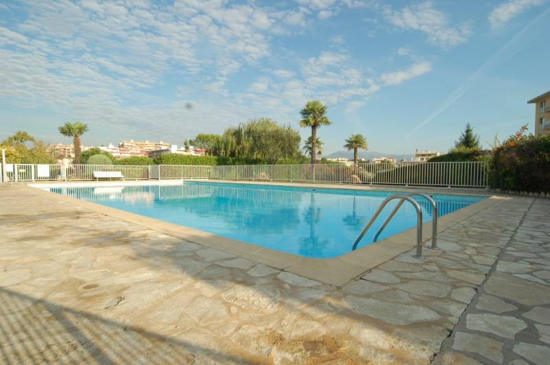 Sale apartment Antibes 250 000€ - Picture 2