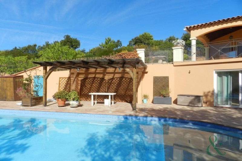 Deluxe sale house / villa Bormes les mimosas 980000€ - Picture 1