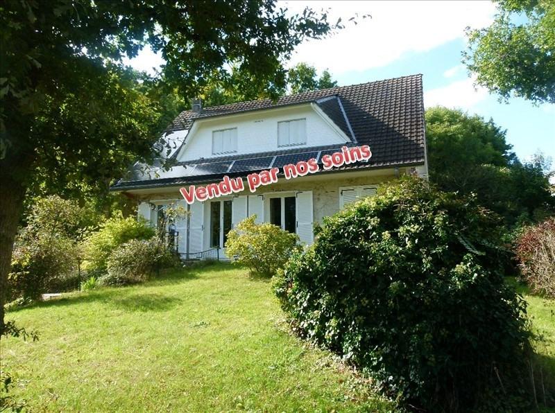 Sale house / villa Montfort l amaury 398500€ - Picture 1