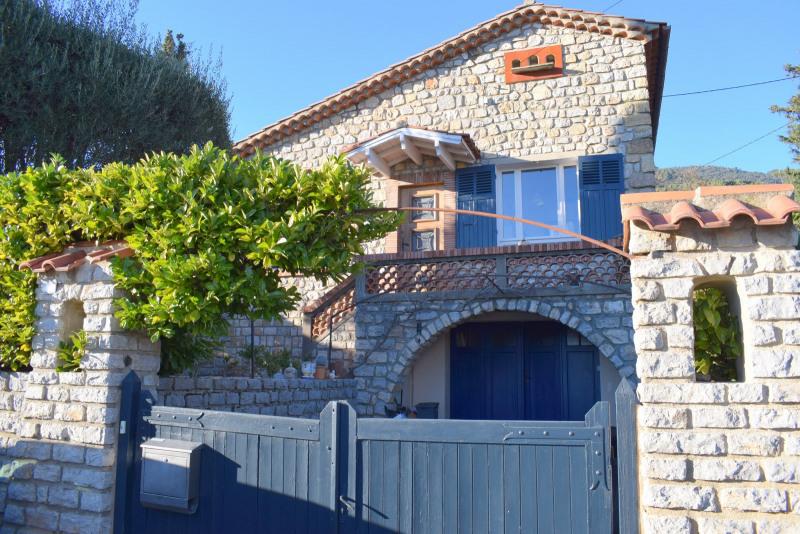 Villa en pierres, à pied au village de Seillans