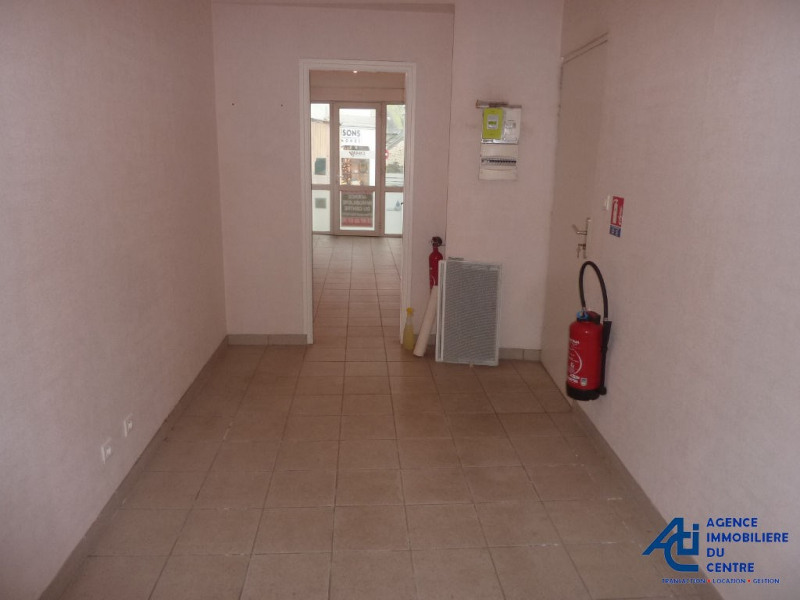 Rental empty room/storage Pontivy 254€ +CH - Picture 1