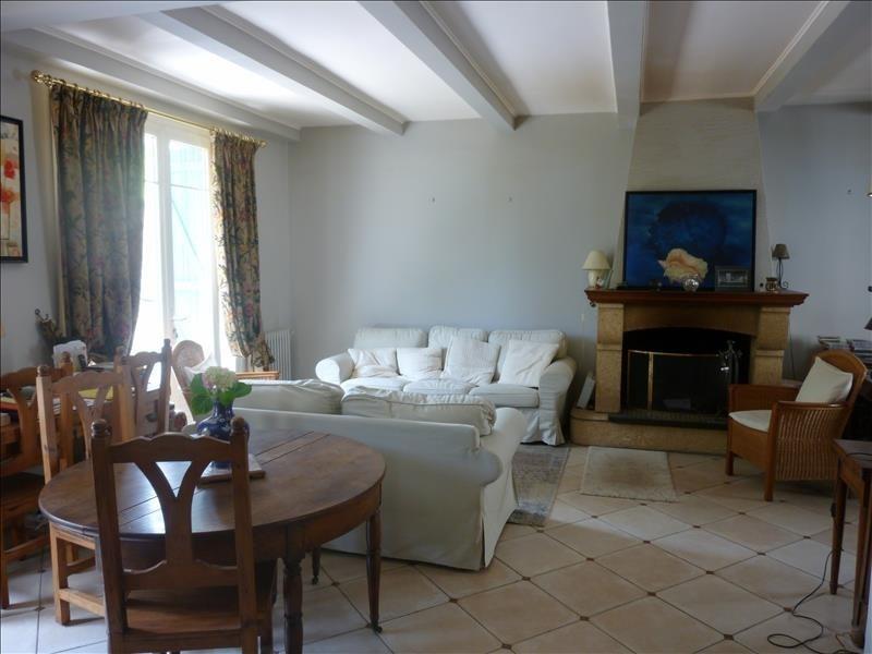 Sale house / villa Poissy 379000€ - Picture 1