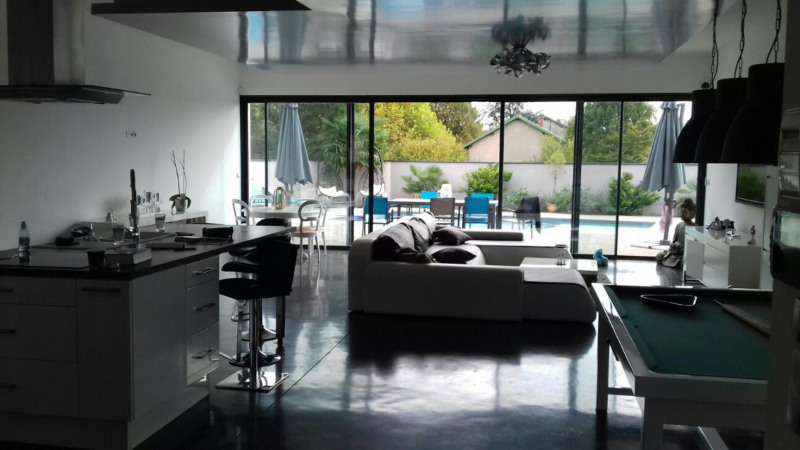 Deluxe sale house / villa Janneyrias 590 000€ - Picture 4