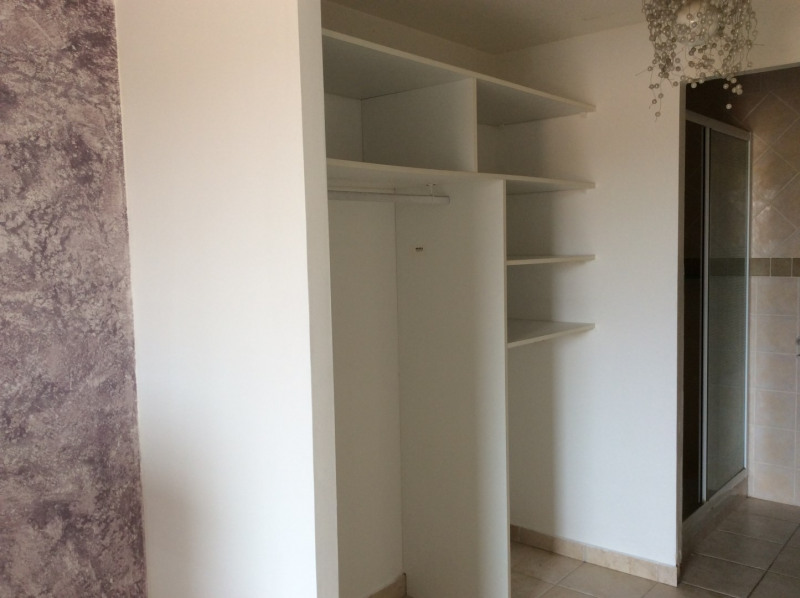 Location appartement Fréjus 995€ CC - Photo 9
