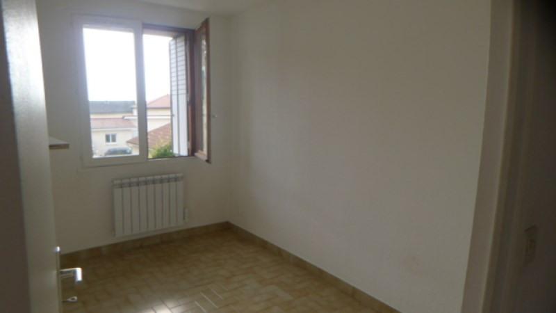 Verhuren  appartement Soucieu en jarrest 515€ CC - Foto 3