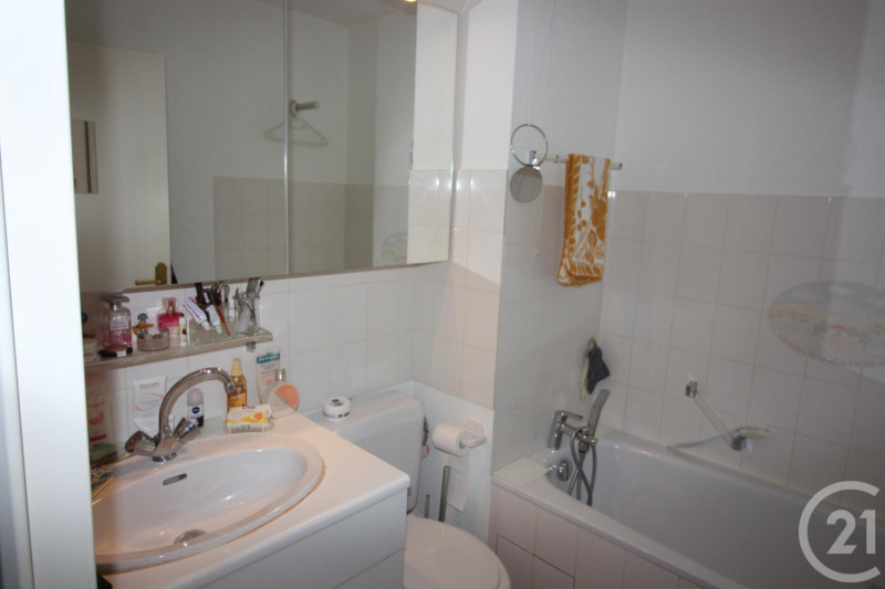Verkoop  appartement Deauville 275000€ - Foto 6