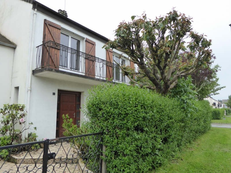 Location maison / villa Maurepas 1566€ CC - Photo 1