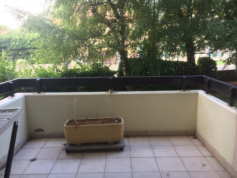 Location appartement Fontaine 700€ CC - Photo 1