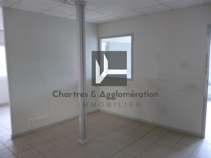 Location local commercial Chartres 1800€ HT/HC - Photo 3