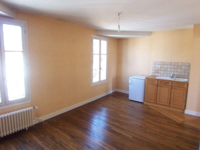 Location appartement Troyes 476€ CC - Photo 3