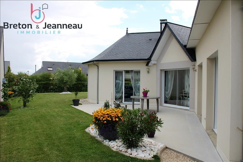 Sale house / villa Chateau gontier 374400€ - Picture 1