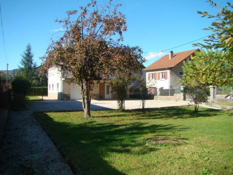 Location maison / villa Saint-laurent-du-pont 850€ CC - Photo 7