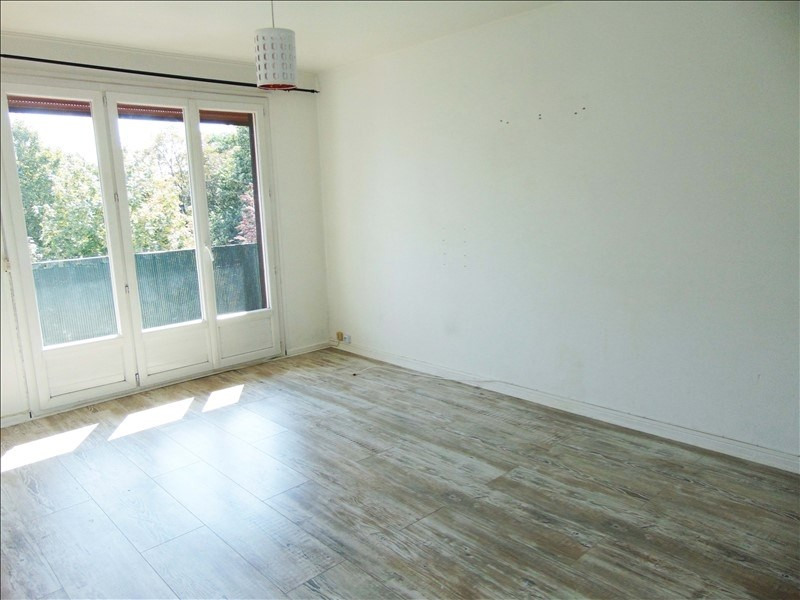 Rental apartment St denis 980€ CC - Picture 1