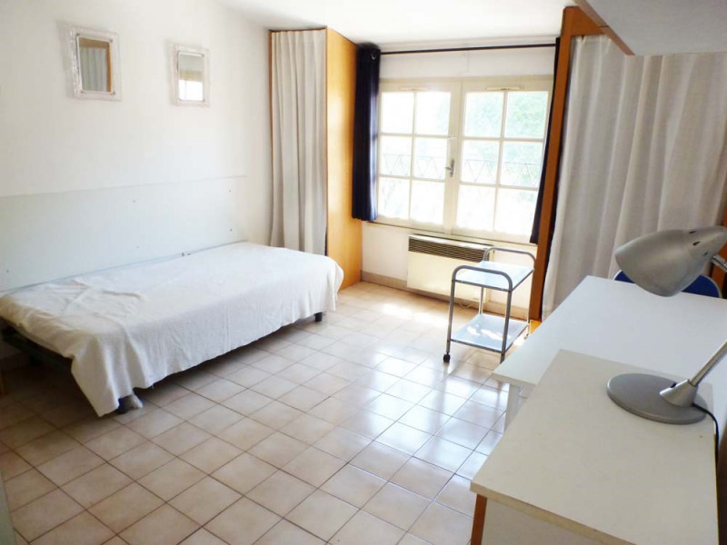 Rental apartment Avignon 387€ CC - Picture 1
