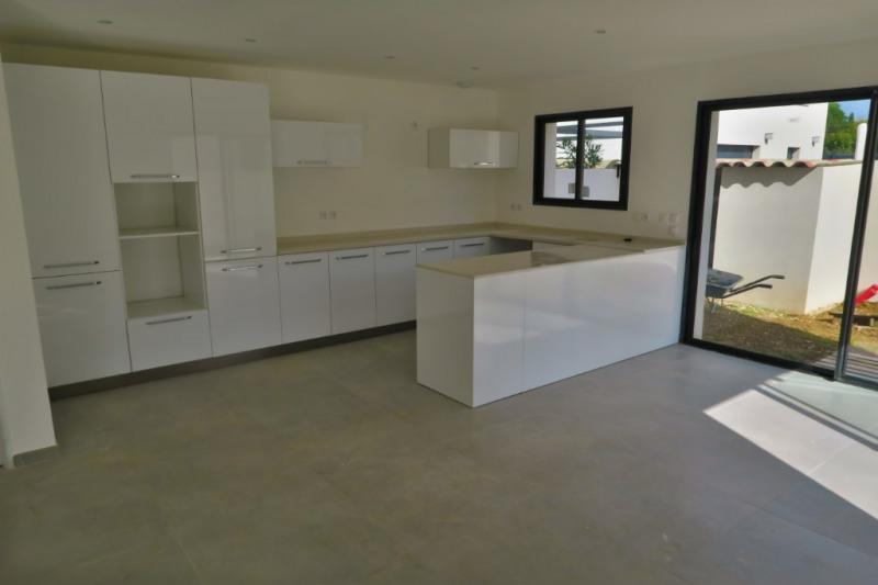 Vente maison / villa Ventabren 367500€ - Photo 4