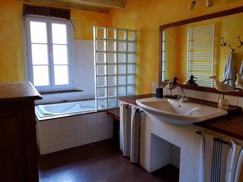 Sale house / villa Vallabrègues 299000€ - Picture 7