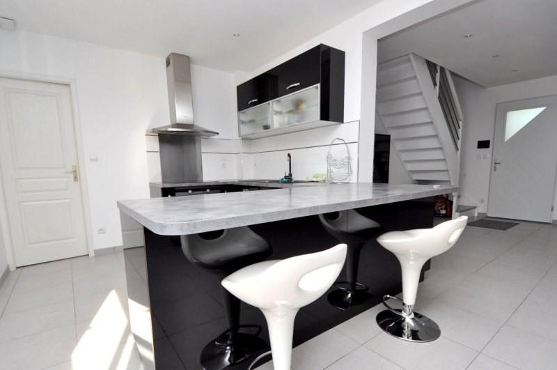 Sale house / villa Forges les bains 369000€ - Picture 5