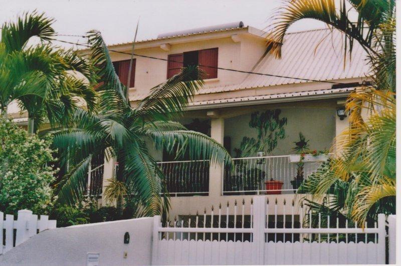 Sale house / villa Le tampon 390000€ - Picture 1