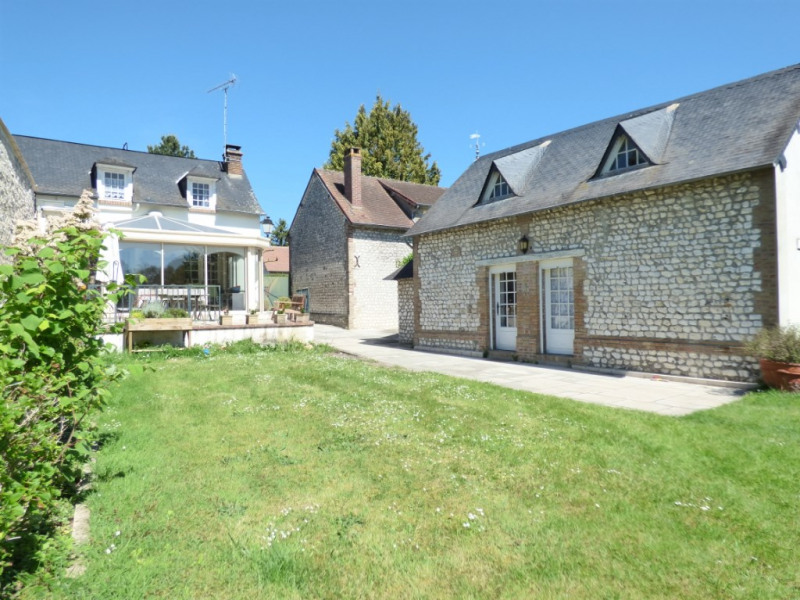 Sale house / villa Les andelys 349 000€ - Picture 1